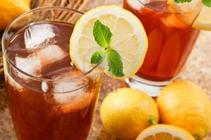 9005554-refreshing-iced-tea-makes-a-perfect-drink-on-a-hot-summer-day